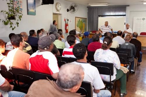 Entrega de parcela da indenização trabalhista da Cooperativa Agrícola de Cotia - Julho de 2010